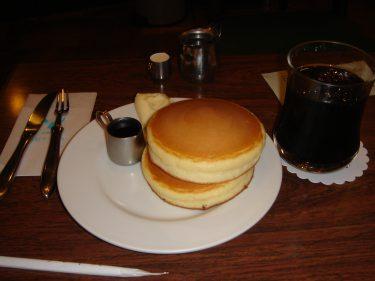 老舗喫茶店サントスの看板メニュー★ホットケーキ(兵庫/神戸/元町)