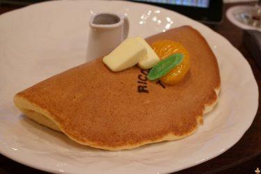 19cmの大きなふっくらホットケーキとぷるんぷるんフレンチトースト♪リッケッツァトレ(RICCHEZZATRE)(名古屋/上前津)