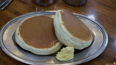 昭和な喫茶店で大きい分厚い独特なホットケーキやで♪コーヒーショップ・ダイヤ(大阪/福島)