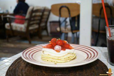 Angieアンジーから春限定パンケーキ♪レアチーズケーキとたっぷりの苺のパンケーキは超絶品(神戸/元町、南京町)
