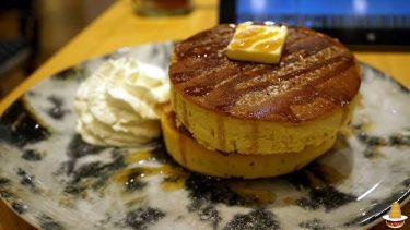 ドッシリした厚焼きパンケーキをダブルで食べると満腹に♪MARFACAFE(マーファ・カフェ)(大阪/梅田)