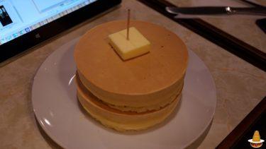ボリューム満点のサクサクの厚焼きホットケーキをダブルで食べる♪昭和の喫茶店 ニット(東京/錦糸町)
