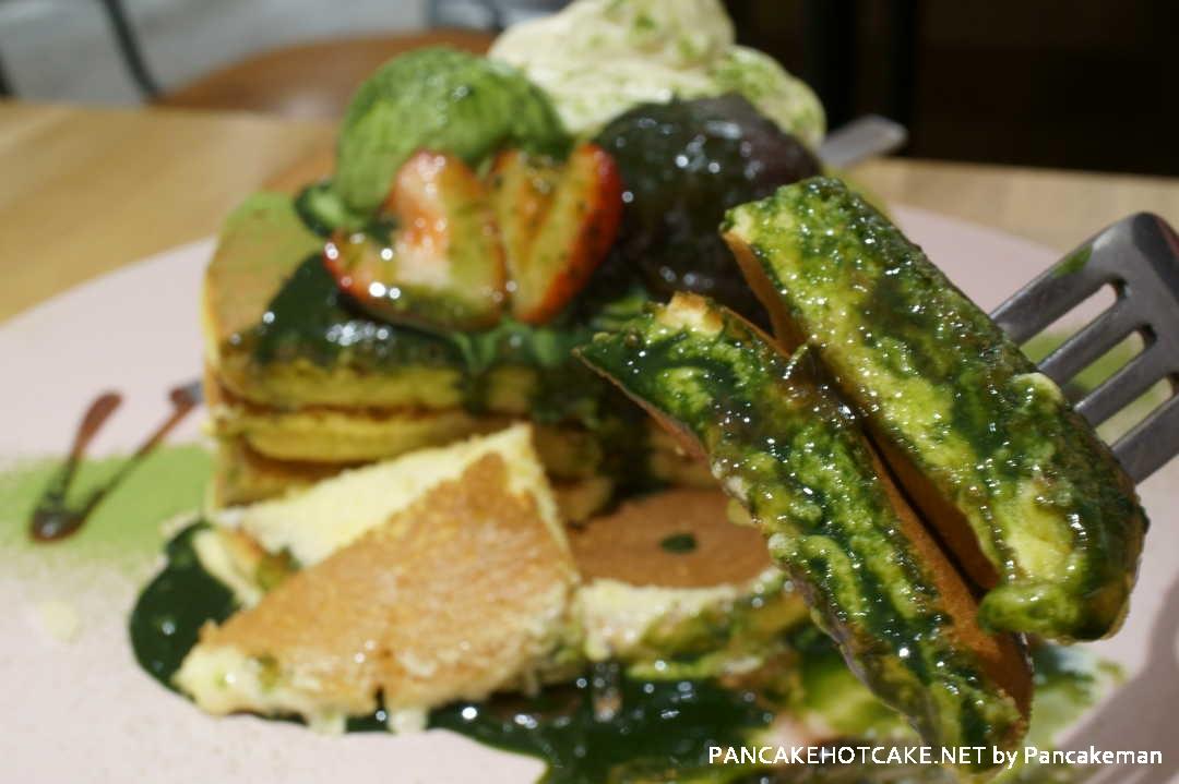 bell-ville pancake cafe抹茶ティラミスパンケーキ