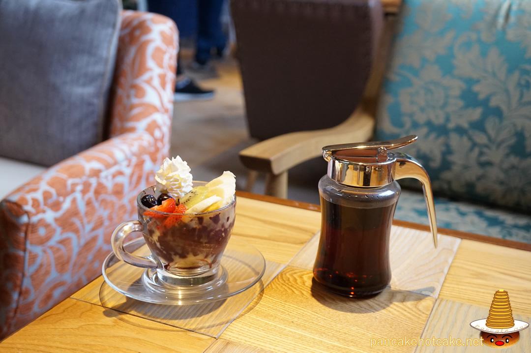 ミニアサイーボウル コナズ珈琲 池田店(Kona's Coffee)