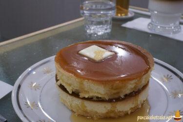 喫茶 月森の2段ホットケーキ♪(大阪、空堀商店街)