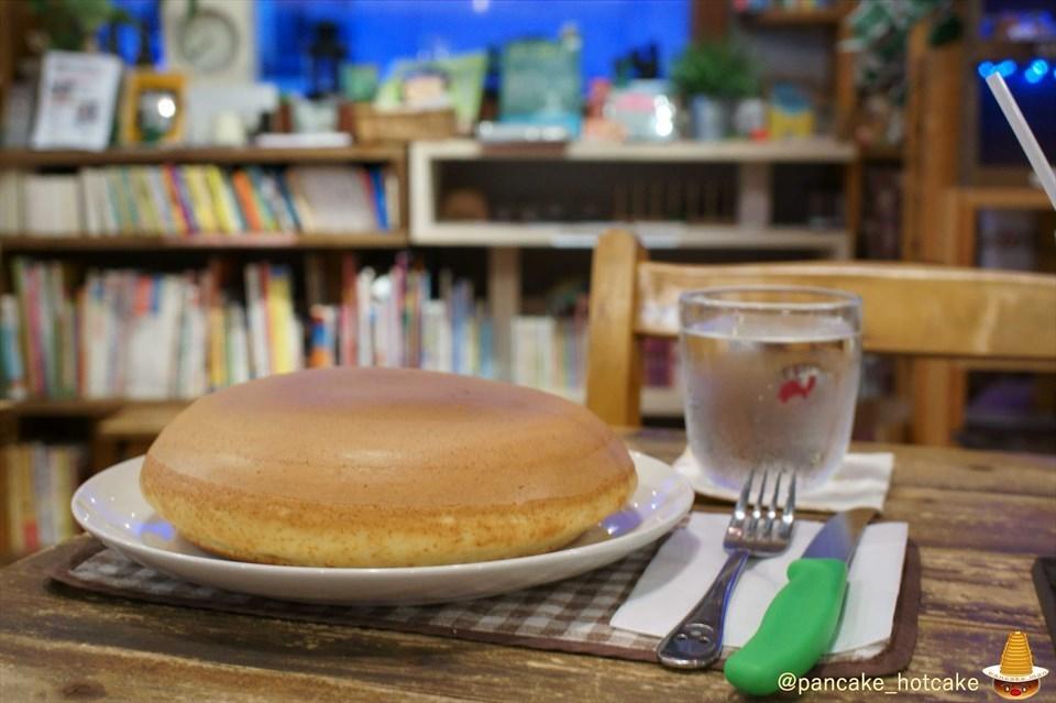 大きな大きな手作りパンケーキ~カスタード~holoholo(ホロホロ)大阪/なんば