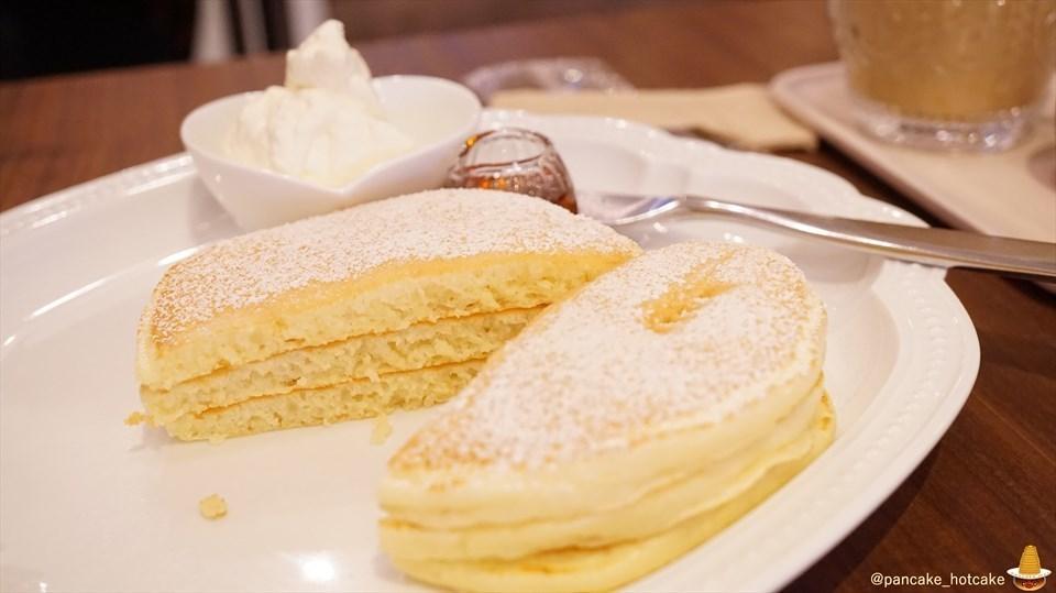 JR茨木駅の近くパンケーキ専門店で絶品プレーンと焼き芋のパンケーキ カフェ レードル(大阪/茨木)パンケーキマン