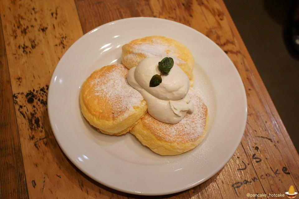 フリッパーズのスフレ系パンケーキ「奇跡のパンケーキ」が大阪でも食べられる!JSパンケーキカフェ くずはモール(大阪/樟葉)パンケーキマン
