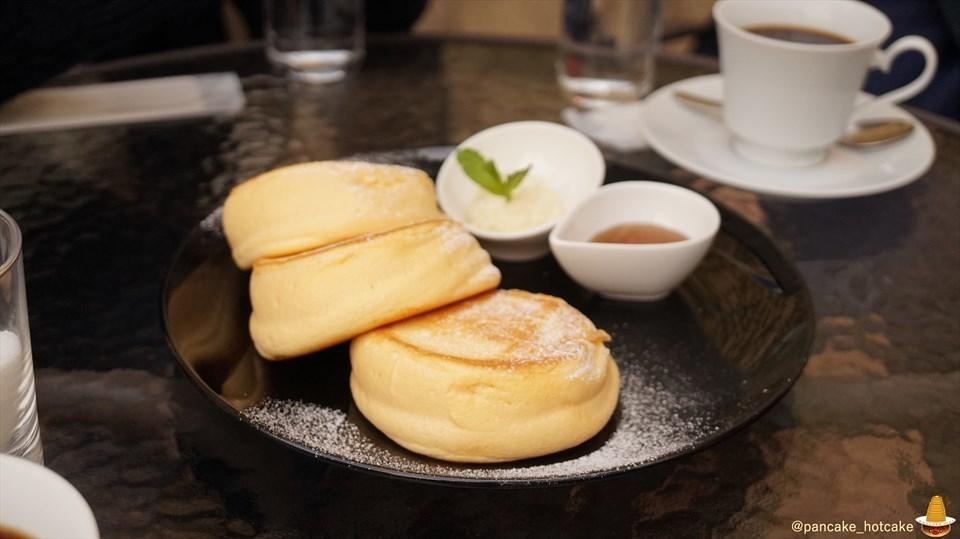 夢みるパンケーキ♪プレーンと抹茶とマッシュルームカットの素敵な男性スタッフ!ニノーバルコーヒー(ニノーバルカフェ)なんばパークス7Fへ移転(大阪/難波)パンケーキマン