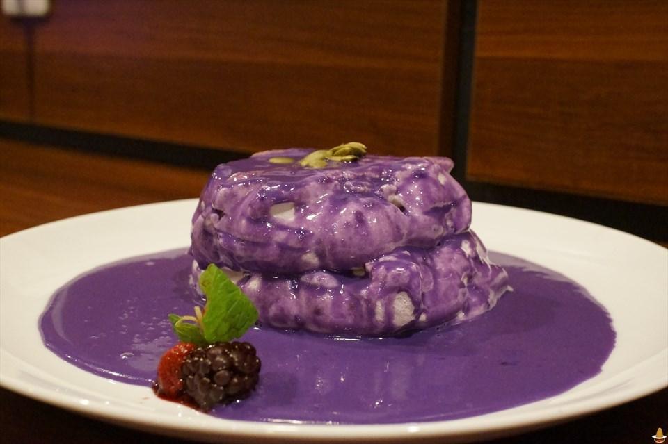 名古屋パホカーよ!さあウベろう♪教会カフェで凄いフワフワで白いパンケーキ!ゴスペルカフェ ワイズ(名古屋/大須観音)パンケーキマン