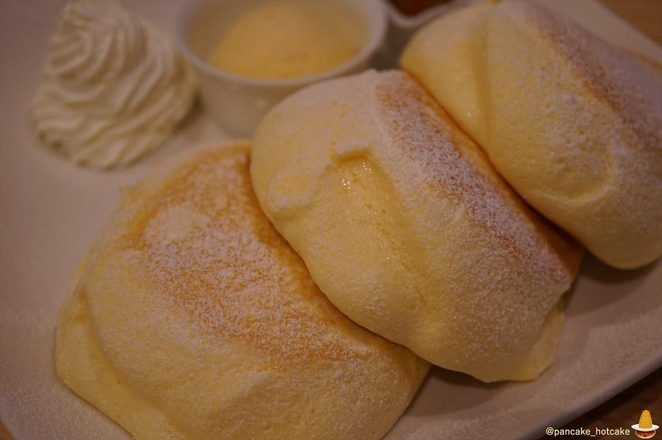 超絶品 バニラ感あふれるスフレパンケーキ 猫と雑貨の可愛いカフェCafe Yuzu Hana(ゆずはな)(姫路/野里)パンケーキマン