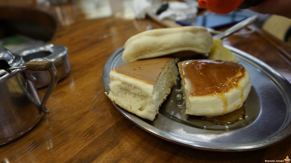 昭和な喫茶店で大きい分厚い独特なホットケーキやで♪コーヒーショップ ダイヤ(大阪/福島)パンケーキマン