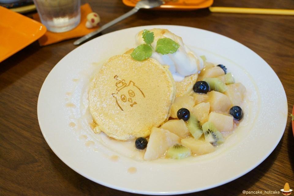 ポッロ(pollo)でドライカレー×パンケーキを食べたレポートと桃のスペシャルパンケーキ byパンケーキマン (大阪/松屋町)