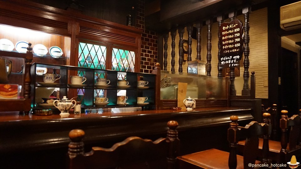 純喫茶のホットケーキは見た目もソソル王道タイプ♪珈琲店 真(しん)(神戸/板宿)パンケーキマン