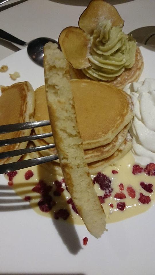 スーホルムカフェ(アクタス)10月限定パンケーキ サツマイモと豆乳カスタードのパンケーキ