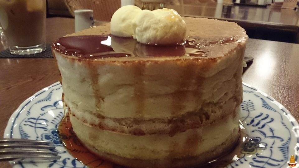 熱々フワフワの厚焼きパンケーキと期間限定フレンチパンケーキ 伊勢虎珈琲(いせとらこーひー)(三重/鈴鹿)パンケーキマン