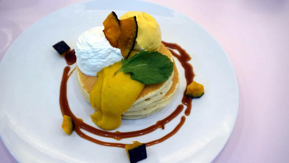 神戸三宮 デニーロのハロウィンパンケーキ パンケーキマン