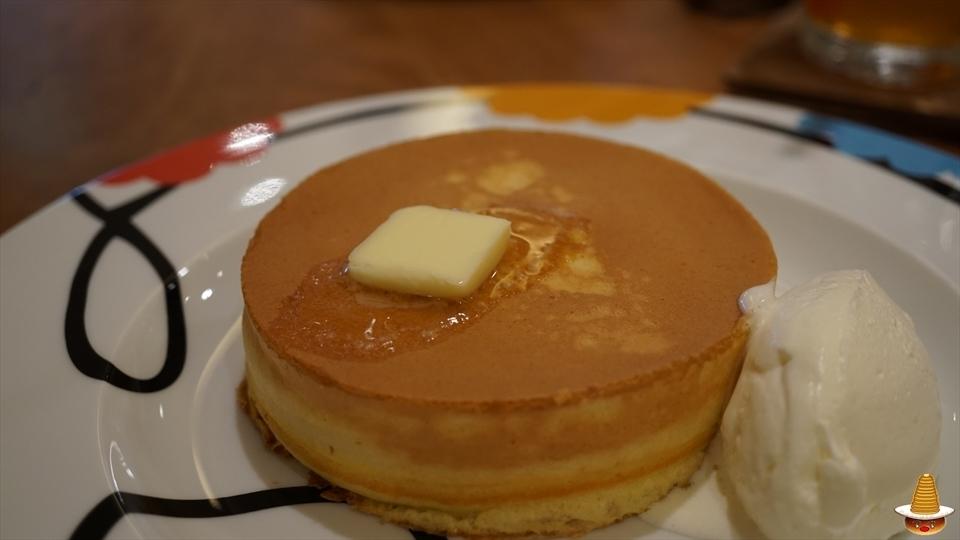 ザティー(ムレスナ)イタリア塩が美味しい究極のホットケーキ(大阪/西梅田)パンケーキマン