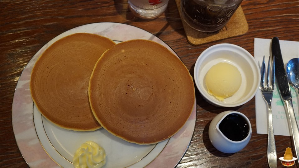 神戸の老舗珈琲屋さんで王道のホットケーキ !神戸にしむら珈琲店 中山手本店 パンケーキマン