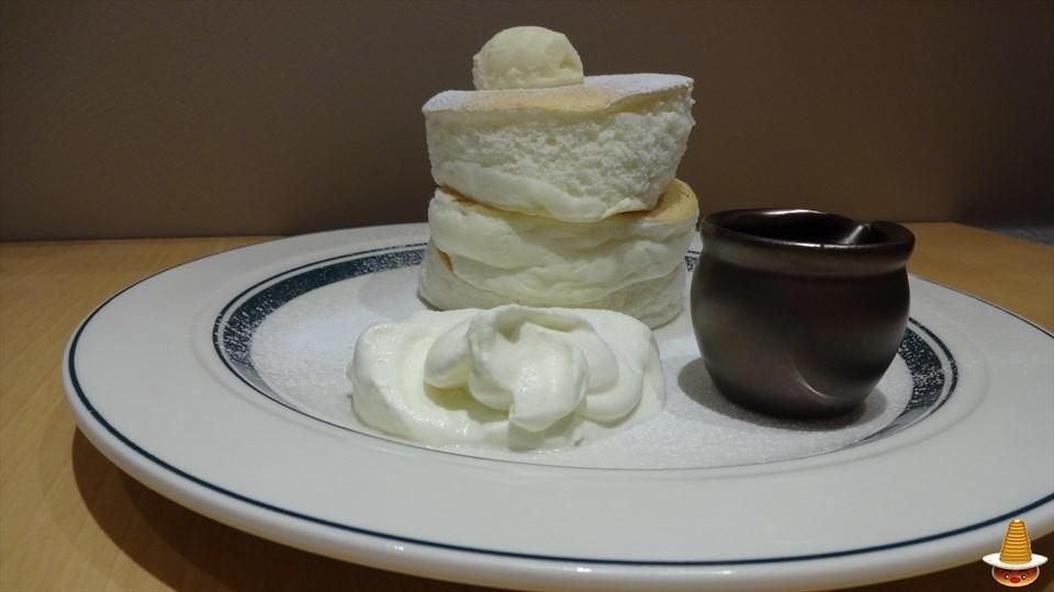 プレミアムパンケーキ gram(グラム)梅田阪急ナビオ店(大阪)パンケーキマン