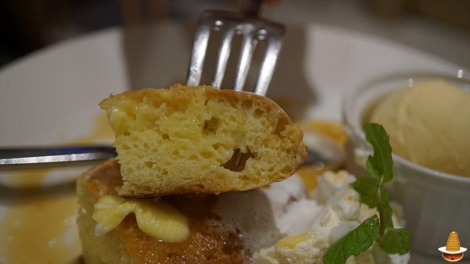 ライ麦パンケーキ ヘルシンキ ベーカリー(Helsinki Bakery)(神戸/西宮北口)パンケーキマン
