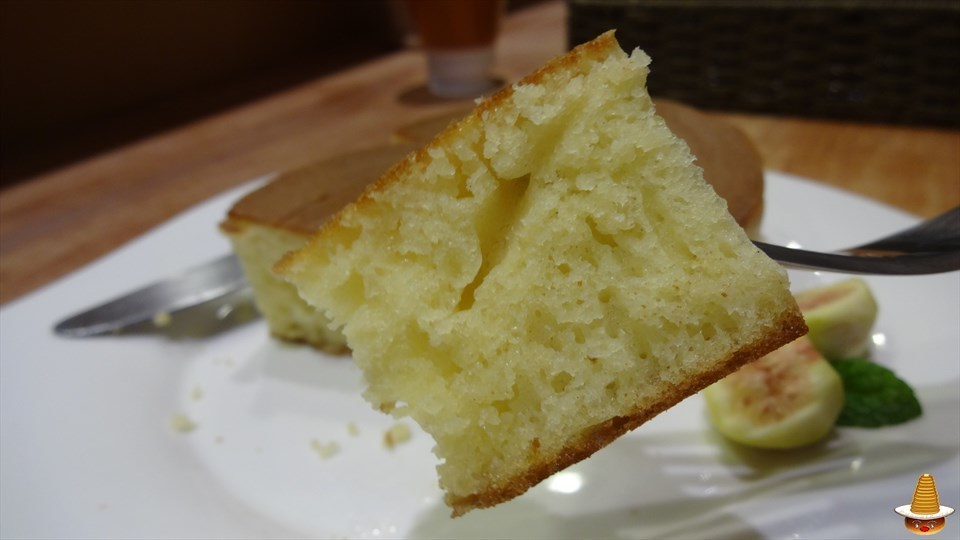 自家製蜂蜜と3.5cmの厚焼きパンケーキで幸せな時間♪元町一丁目カフェ(大阪/JR難波)パンケーキマン