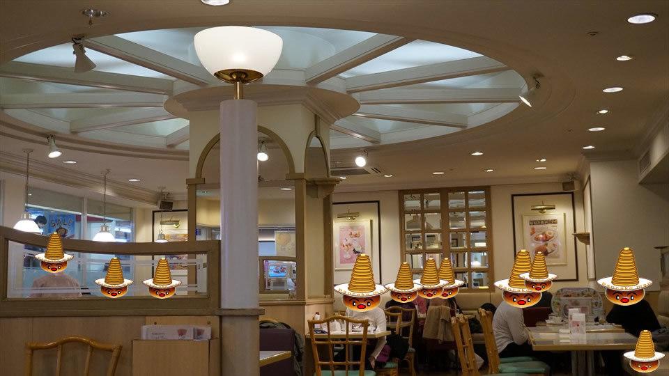 昭和時代の懐かしい焼きたてホットケーキ♪ペコちゃんの不二家レストラン(神戸/三宮)パンケーキマン