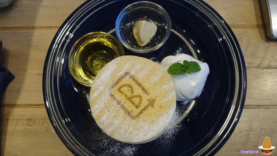 厚焼き,繊細,ふわふわ&ベッピンなパンケーキ バーンサイド ストリート カフェ(大阪/樟葉)パンケーキマン