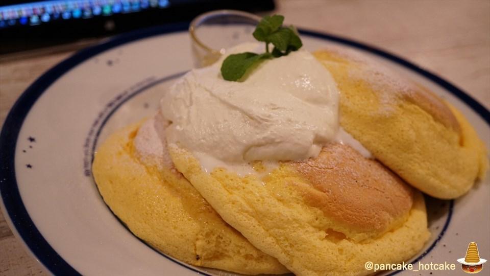 エルクのパンケーキがふわふわ系スフレ系スポンジ系に変化したぞ♪(大阪/心斎橋)パンケーキマン