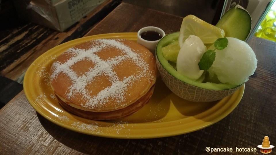 激ウマ♪贅沢なメロンのパンケーキ 自家製レモンシャーベット&マスカルポーネ&ハニーメープル!juen(ジュエン)(大阪/天神橋六丁目)パンケーキマン