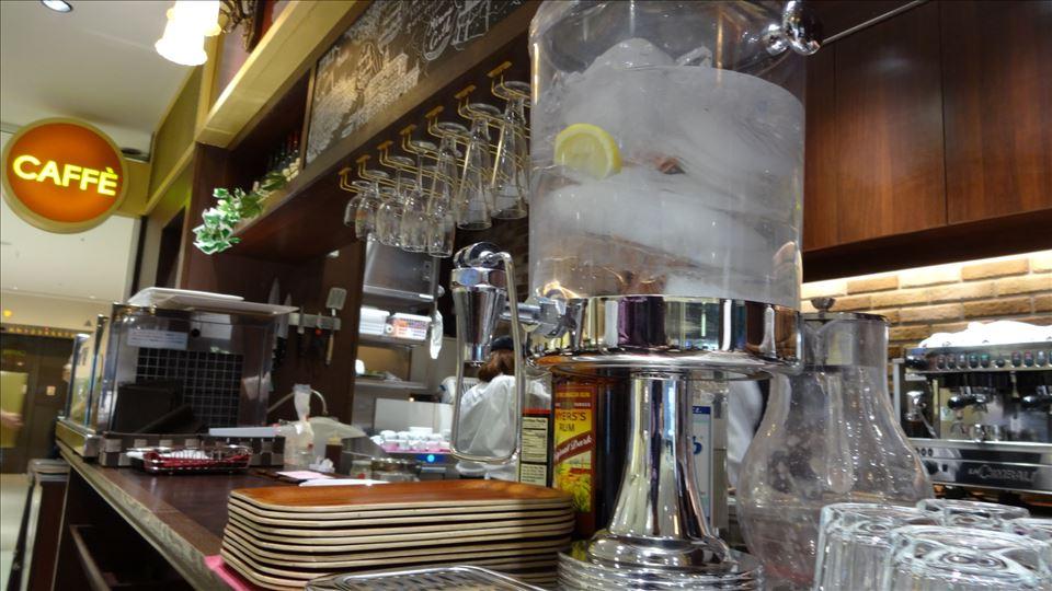 高島屋で、独創的な焼き方のパンケーキ CAFFE TRIESTIONO(カフェ トリエスティーノ)(大阪/難波)