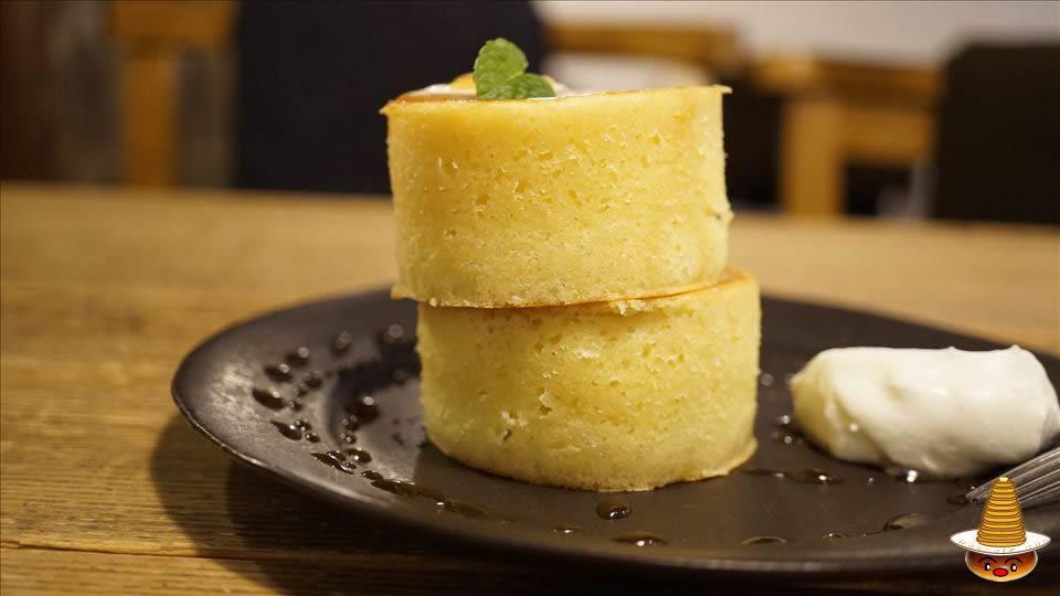 ヴェール デ グリ(VERT DE GRIS)裏メニューのプレーンパンケーキ パンケーキマン