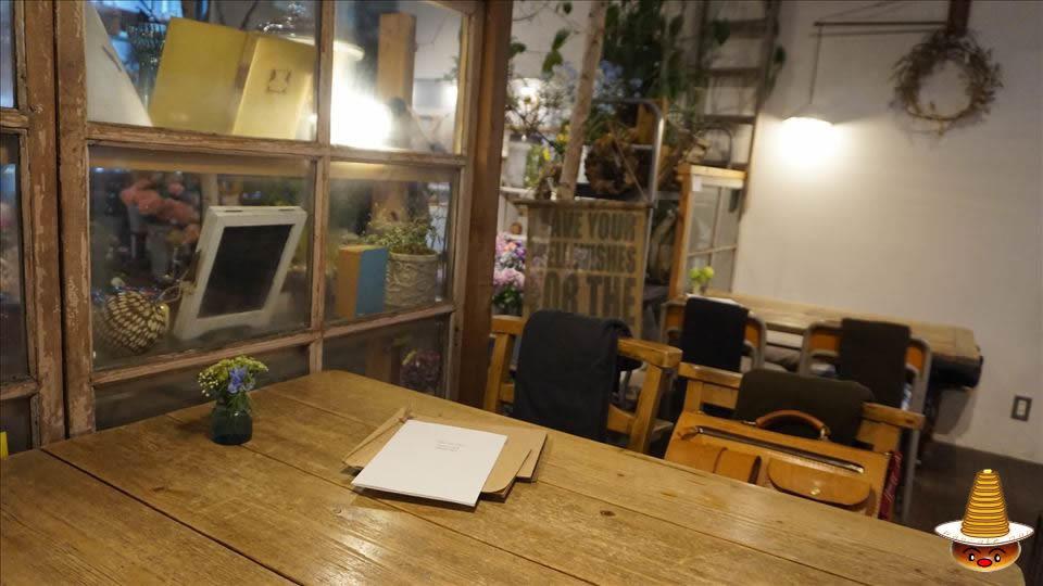 ヴェール デ グリ(VERT DE GRIS)ジブリ的な雰囲気のカフェ パンケーキマン