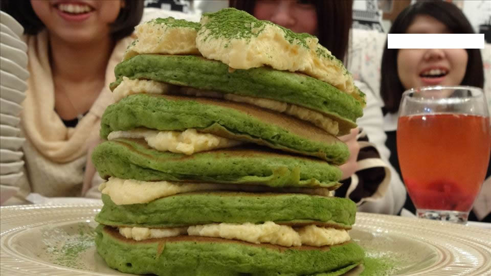 アジュジュメールとパンケーキマンのパンケーキタワー