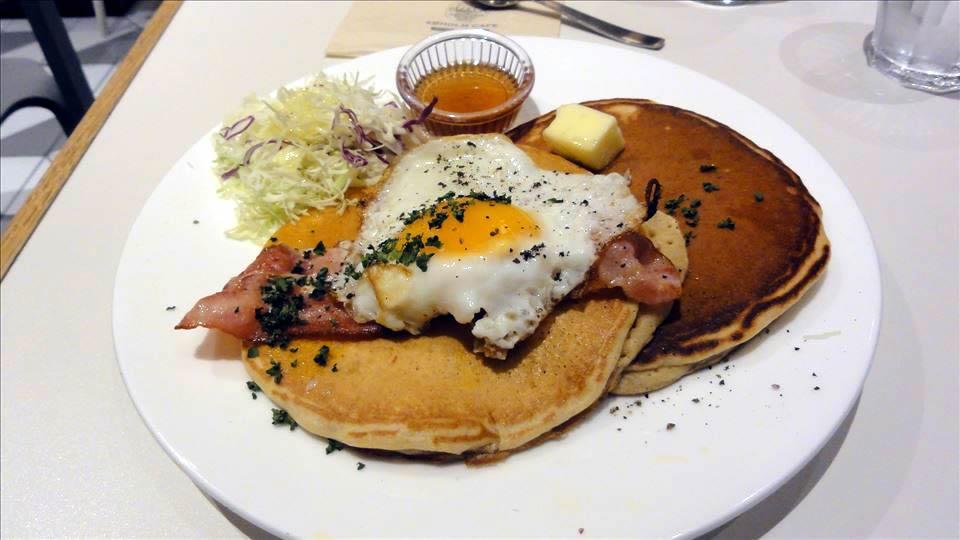 アクタスのカフェでパンケーキ(大阪/梅田)パンケーキマン