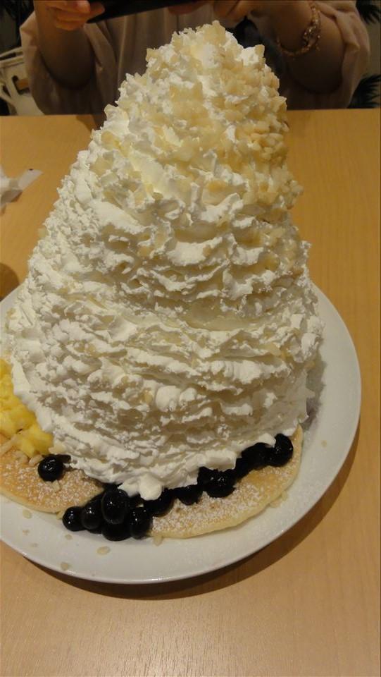 エッグスンシングスで、ホイップタワーをトリプル!パンケーキ