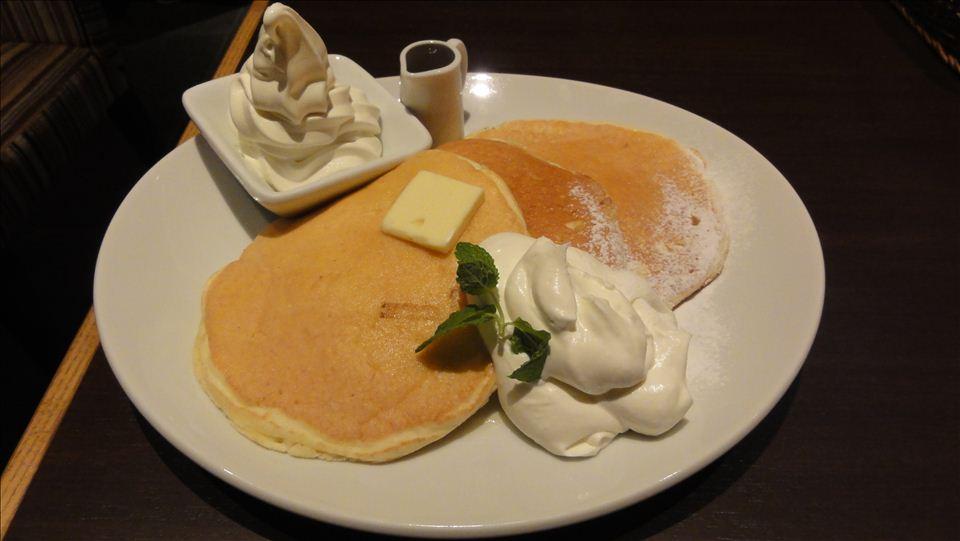 プレミアムパンケーキとオリジナルパンケーキのプレーン mg.(エムジー)(大阪/心斎橋&本町)