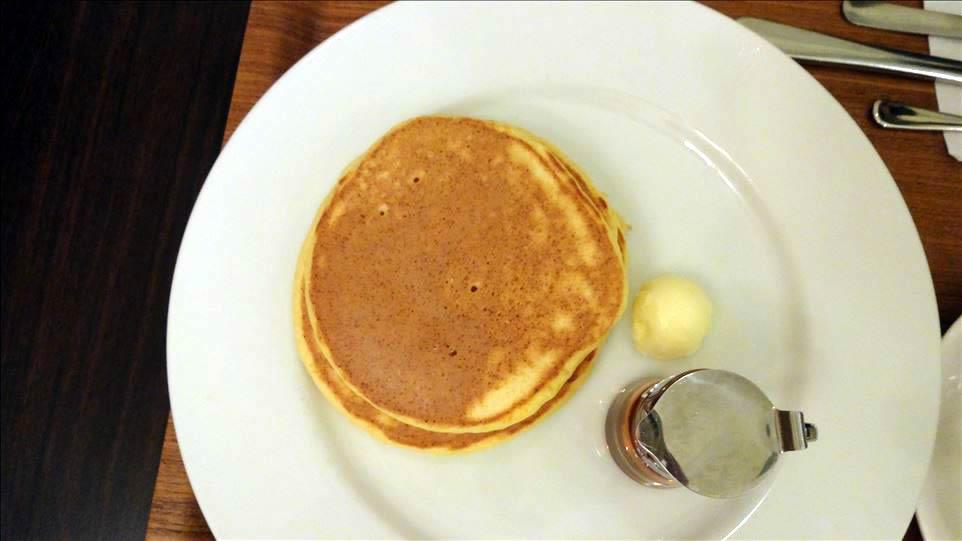分厚いパンケーキと普通のパンケーキ ONEDRIIP(ワンドリップ)小野原焙煎所(大阪/箕面)